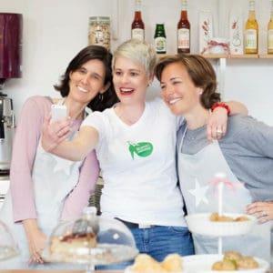 """Café eröffnen in Barcelona: Bettina Sturm von """"Respekt Herr Specht"""" und Dorothee Elfring von """"Businessmenschen"""" interviewen Beatriz Argiles und Claudia Peña vom DSB-Café in Espluges de Llobregat"""