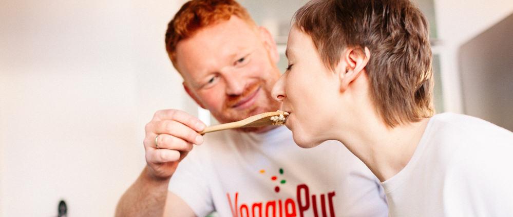 """Bettina Sturm von """"Respekt Herr Specht!"""" interviewt FoodPreneur Mel & Holger Brosig von VeggiePur - Foto von Dorothee Elfring"""