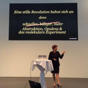 RespektHerrSpecht-Bettina-Sturm-im-Vortrag-Hanni-Ruetzler-FoodTrends-GastroTrends